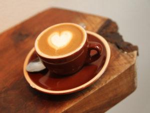 kopi, makanan dan minuman penyebab sakit gigi, minuman yang menyebabkan gigi rusak