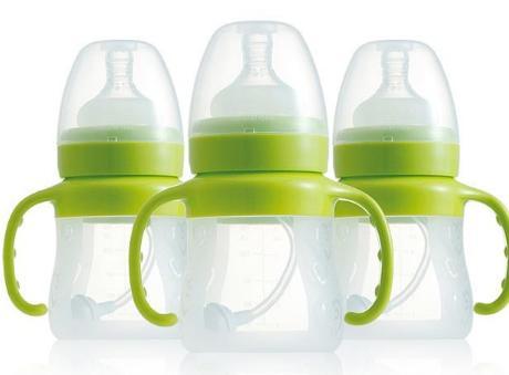 botol susu bayi baru lahir