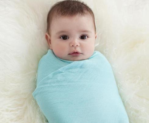 manfaat bedong bayi menjaga bayi tetap nyaman dan hangat