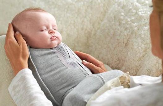 manfaat bedong bayi untuk memberi waktu tidur bagi orang tua