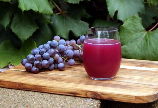 aneka jus buah anggur berkhasiat obat