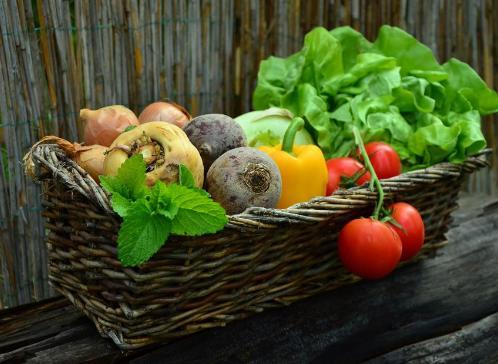 buah dan herbal untuk amandel