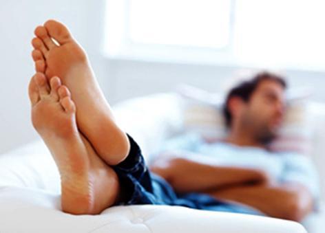 istirahat yang cukup untuk memulihkan daya tahan tubuh melawan penyakit amandel