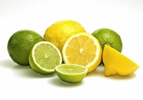 jeruk nipis dan lemon sebagai obat alami tradisional mengobati sakit radang tenggorokan