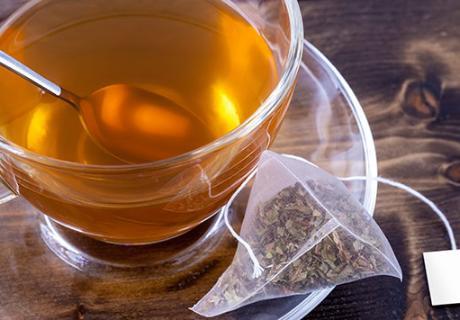 segelas teh untuk obat sakit tenggorokan alami yang cepat dan ampuh