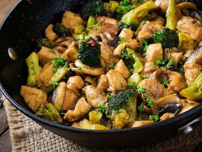 brokoli tumis ayam jamur menu buka puasa untuk diet
