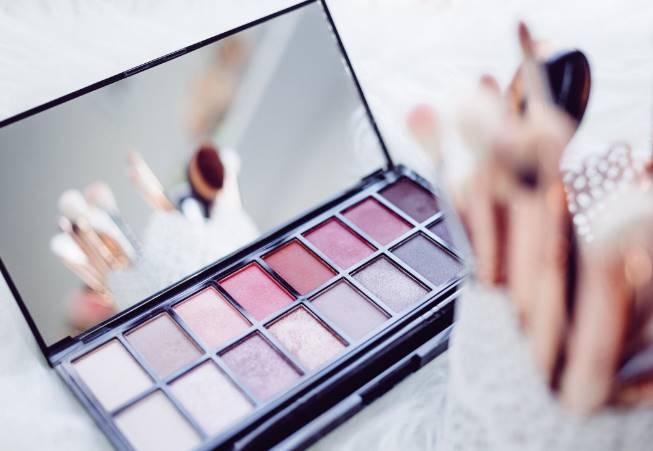 paraben dalam kosmetik penyebab muncul jerawat baru