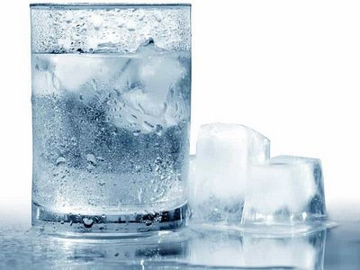 air es untuk mengatasi wajah merah secara alami