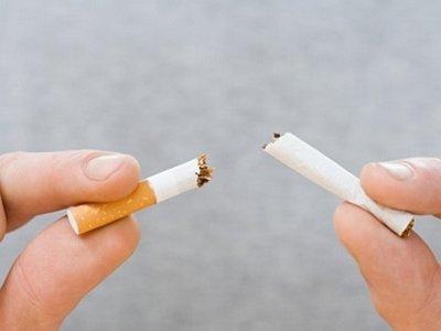 stop merokok untuk mencegah radang amandel jadi parah