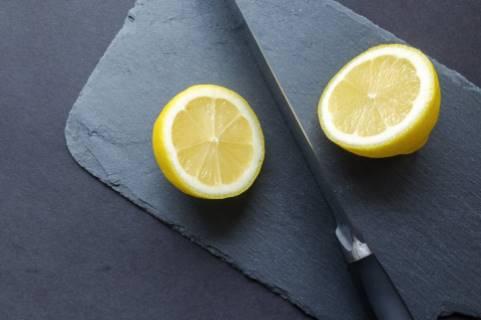 jus lemon untuk wajah belang