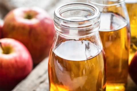 mengatasi rambut kering dan bercabang dengan cuka apel
