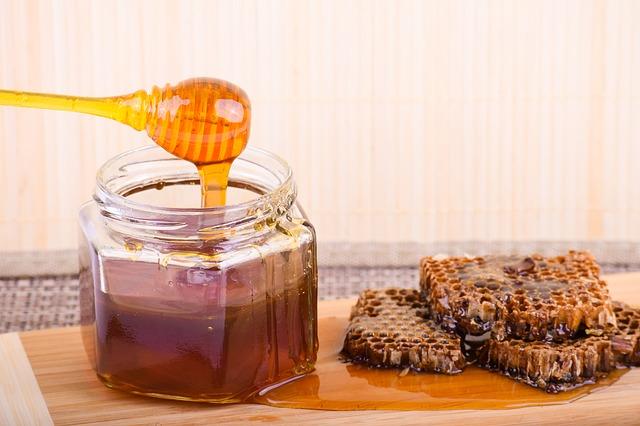 Manfaat madu untuk kesehatan dan kecantikan 01