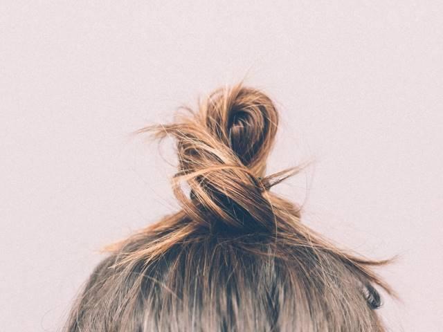cara meluruskan rambut dengan bahan alami