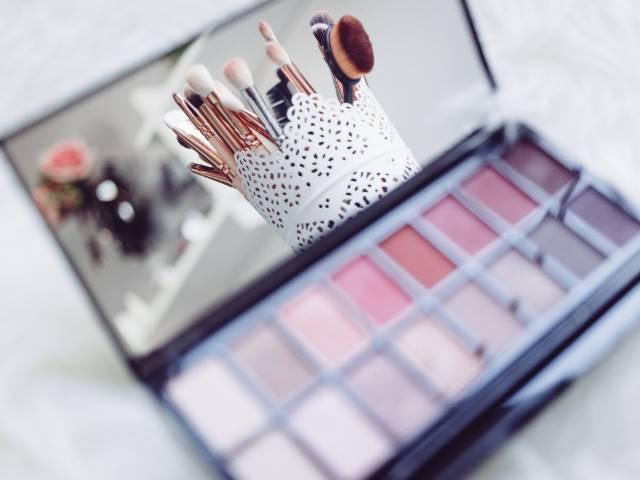 Tips Mudah Cara Membedakan Kosmetik Asli dan Palsu