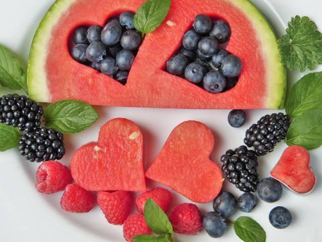 manfaat buah buahan untuk tubuh dan wajah