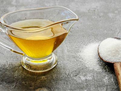 madu dan gula untuk mengatasi bibir kering dan pecah pecah