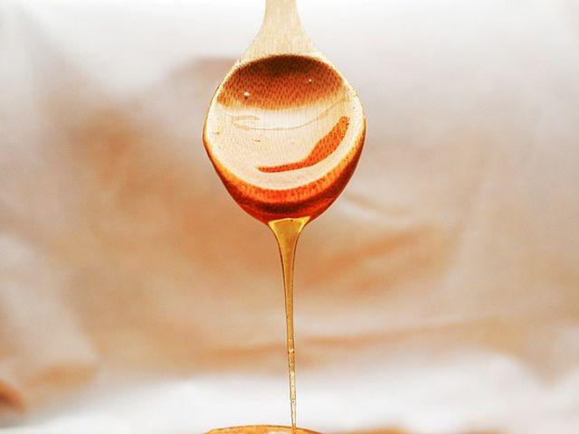 manfaat madu untuk memerahakan bibir yang hitam