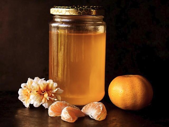 manfaat madu untuk mengatasi bibir kering dan pecah pecah secara alami
