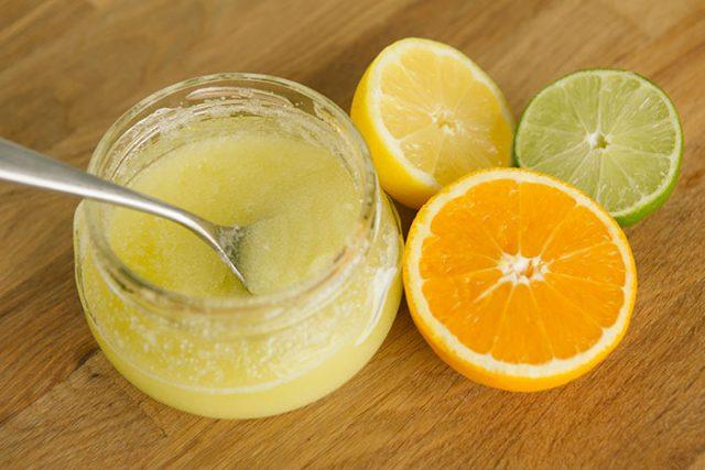 kulit putih bersih dengan lulur tradisional buah jeruk